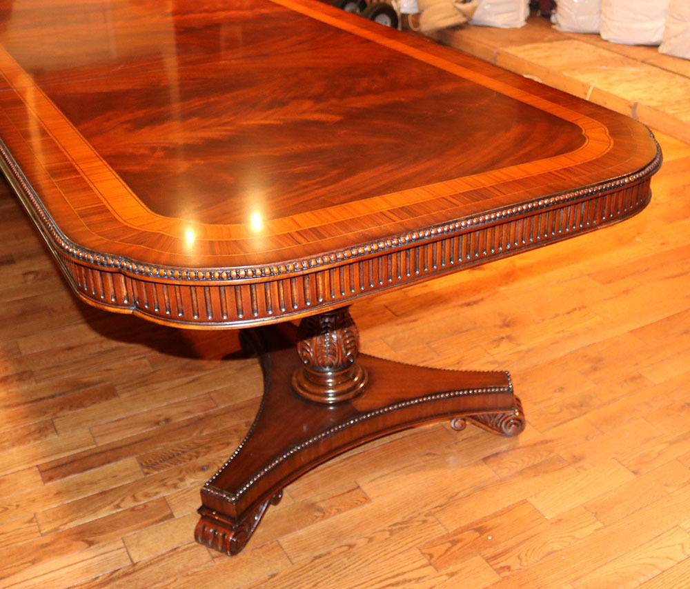 100  Georgian Style Vintage Oval Coffee Table Banded Mahogan